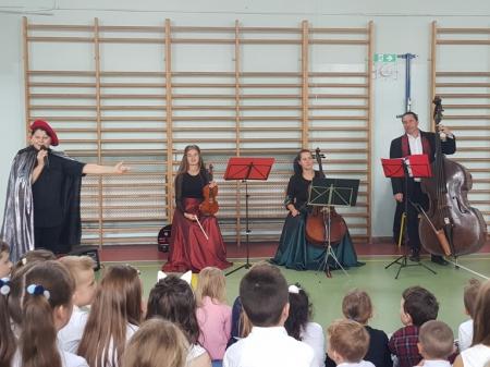 Pierwszy w tym roku szkolnym koncert muzyczny dla klas I-III